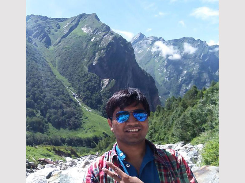 Drives his love for nature from his passion of travelling and trekking. Inspired by his mother, he believes in perseverance as the way to move ahead. This Environment engineer from ISM Dhanbad ensures that his humor keeps the team in high spirits throughout the journey.